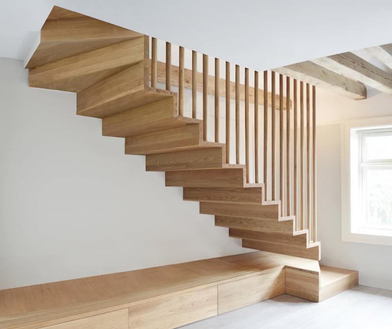 Деревянная лестница на второй этаж 1