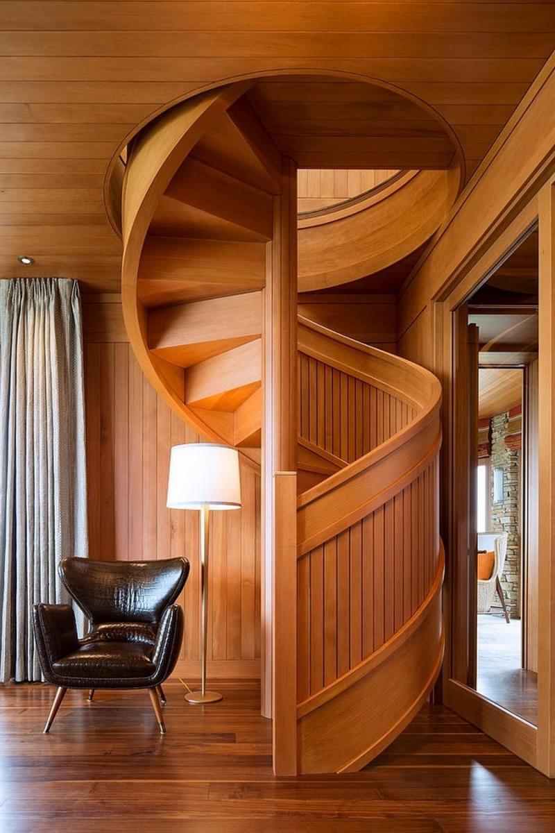Деревянная лестница на второй этаж 5
