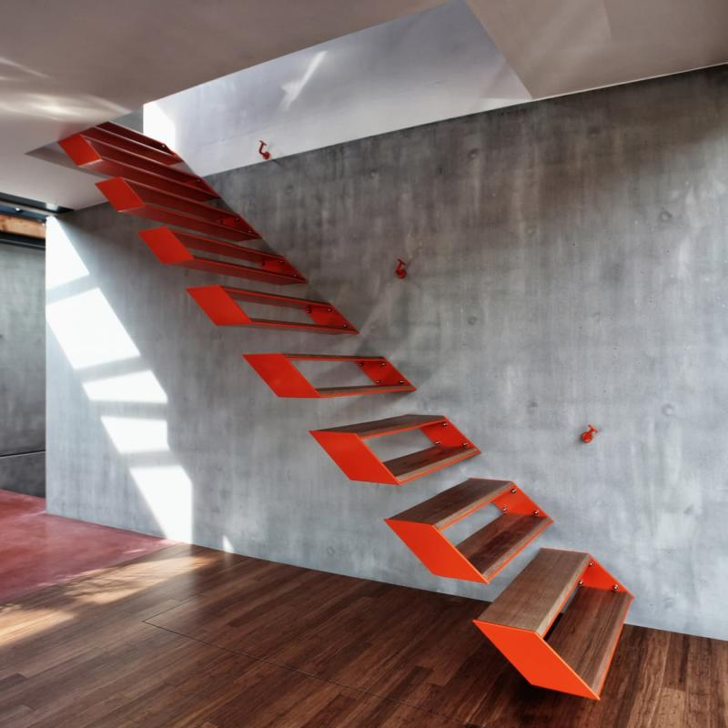 Креативный дизай лестницы на второй этаж 8