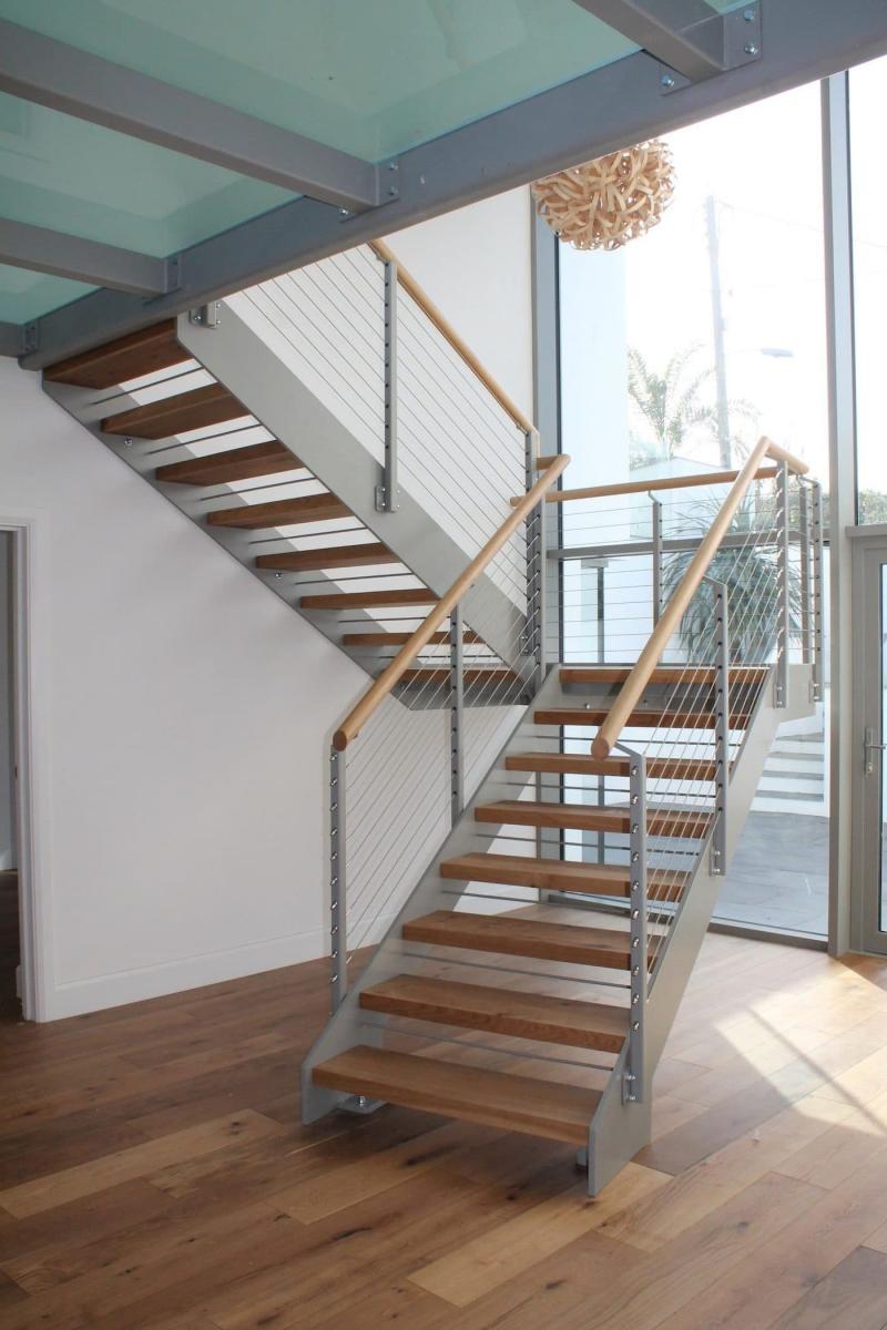 Маршевая лестница на второй этаж 4
