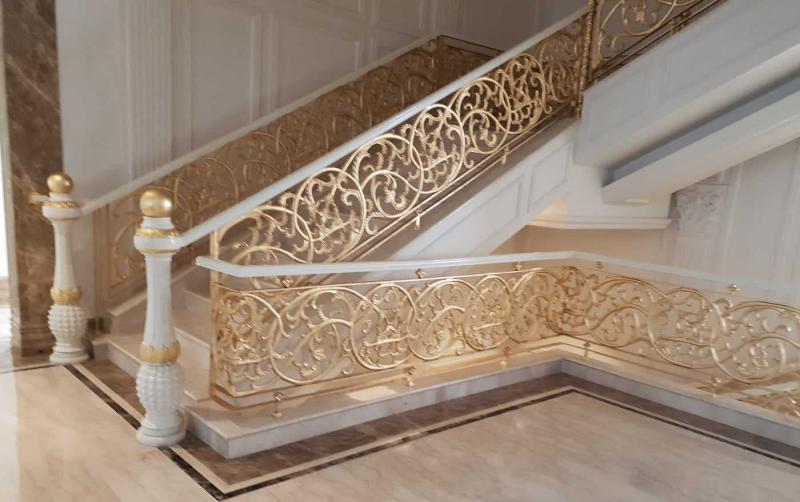 Перила лестницы на второй этаж 2