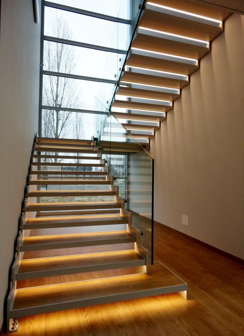 Подсветка лестницы на второй этаж 5