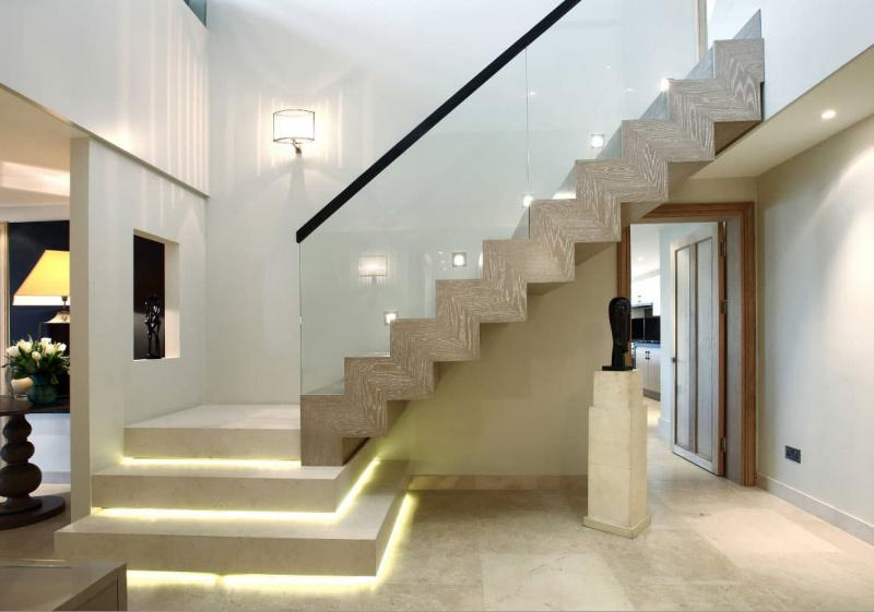 Поворотная лестница на второй этаж 3