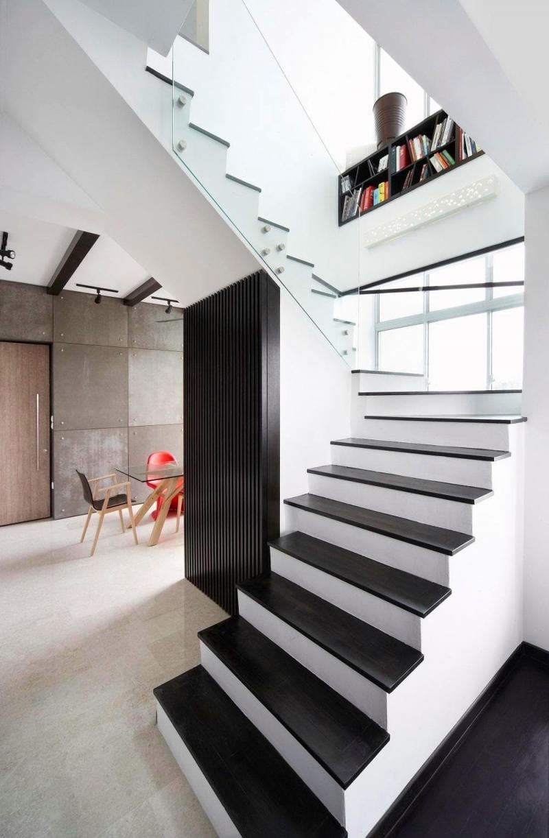 Поворотная лестница на второй этаж 4