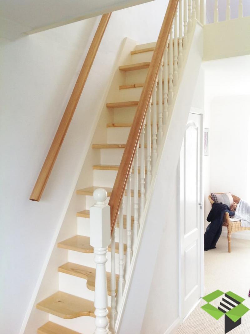 Ступени в лестницах на второй этаж 1.JPG