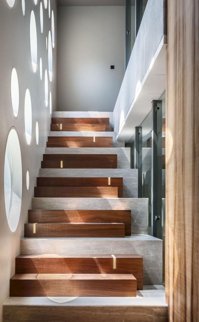 Ступени в лестницах на второй этаж 2