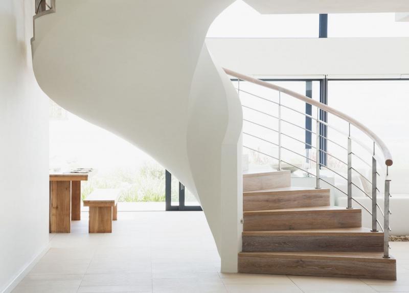 Винтовая лестница на второй этаж 3