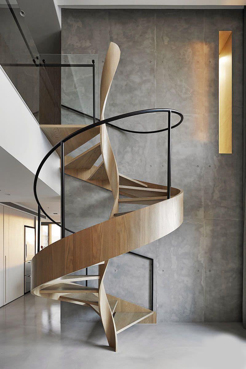 Винтовая лестница на второй этаж 6