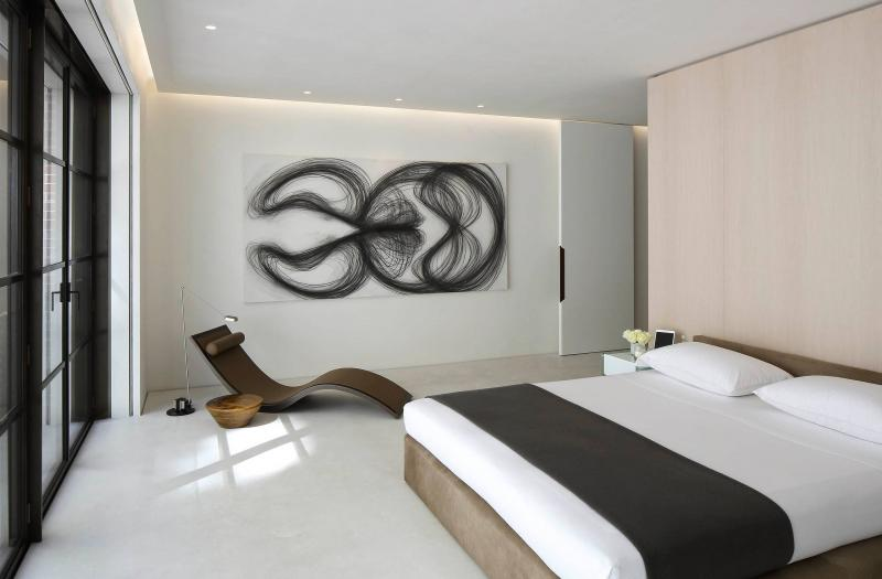 Кресло в спальне в современном стиле 5