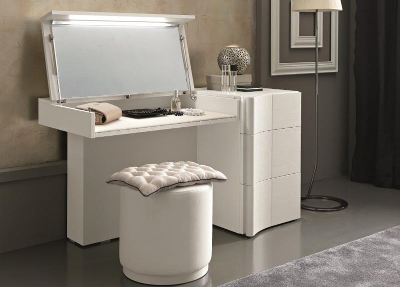 Туалетный столк в спальне в современном стиле 4