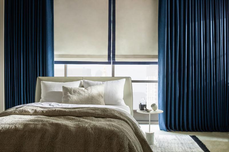 Римские шторы для спальни 1