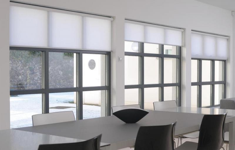 Открытый тип рулонных штор 6