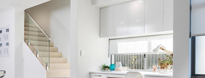 Рулонные шторы в интерьер кухни 1