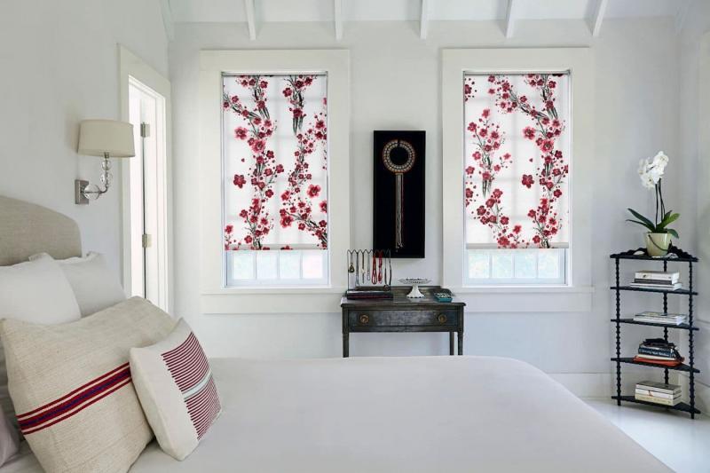 Рулонные шторы в интерьере спальни 3