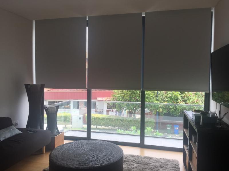 Светоотражающие рулонные шторы 1
