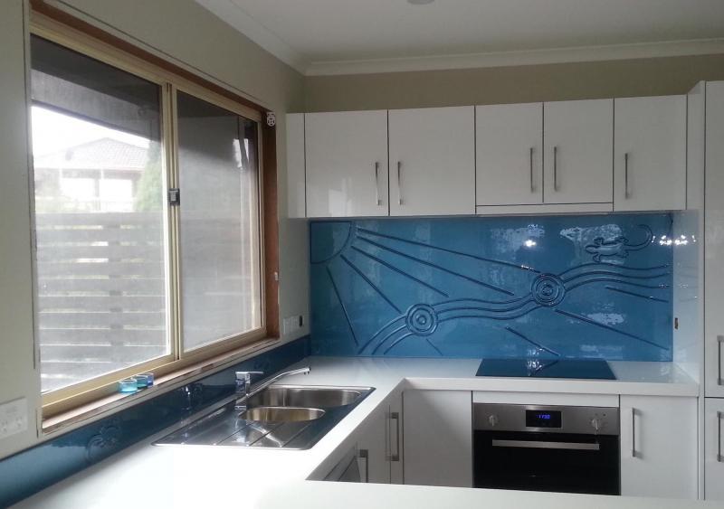 Фартук для кухни из стекла 3