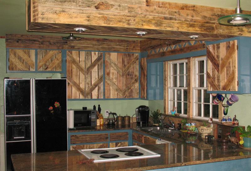 Фартук для кухни (крашеная стена) 3