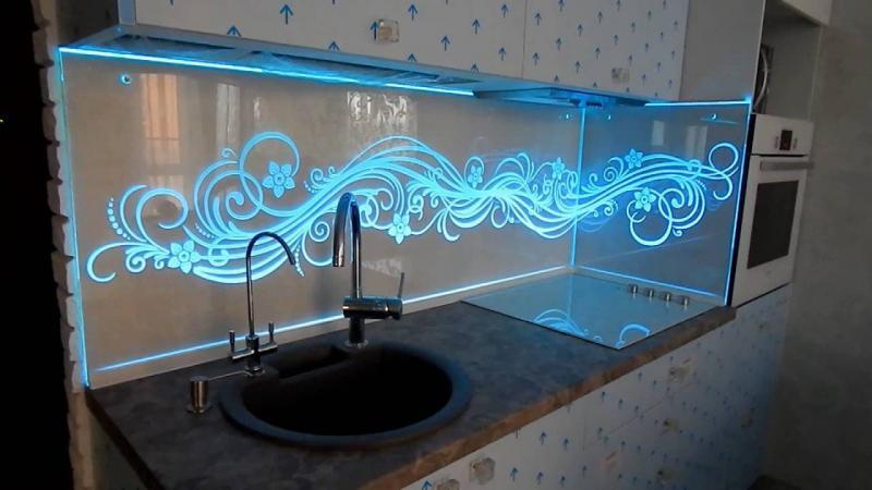 Фартук для кухни с подсветкой 1