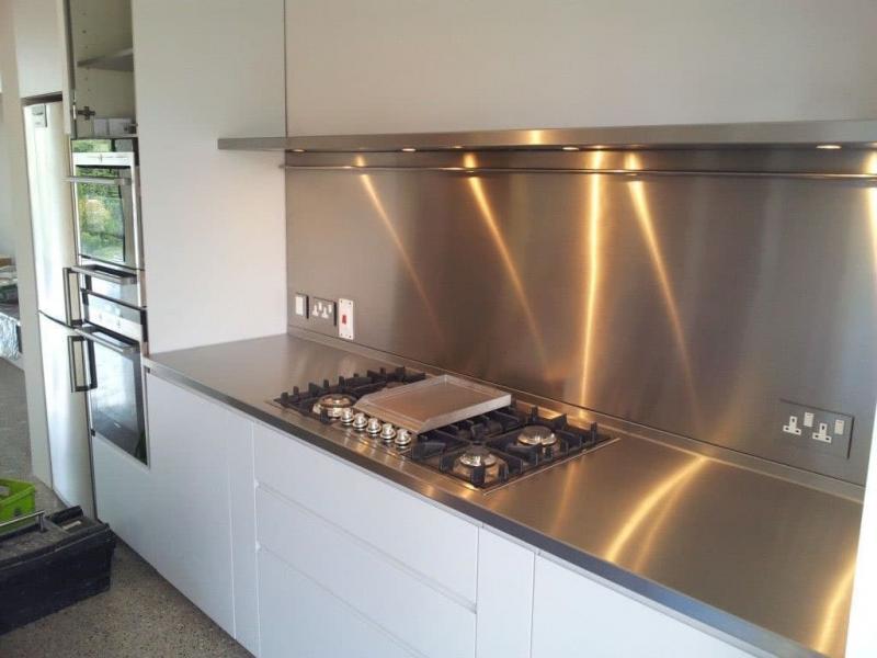 Металлический фартук для кухни 3