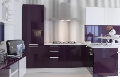 Кухня в фиолетовом цвете 4