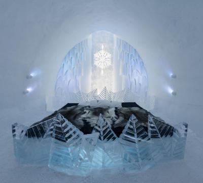 Спальня в белых оттенках из льда и снега