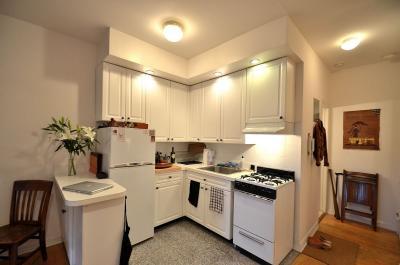 Потолок из гипсокартона для маленькой кухни 5