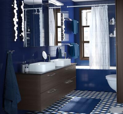 Цвет Klein Blue в интерьере ванной комнаты