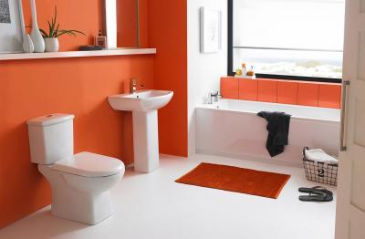 Цвет Оранжевая Папайа в интерьере ванной комнаты