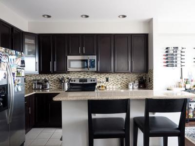 Черная угловая кухня 5