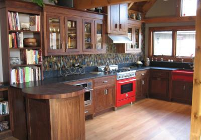 Классический угловой кухонный гарнитур 3