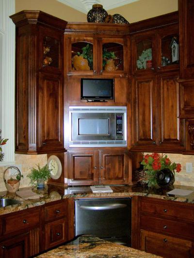 Кухня с угловым буфетом 2