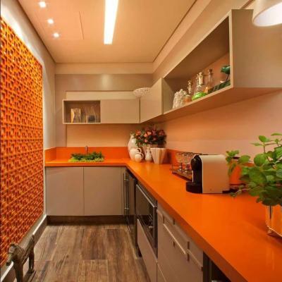 Оранжевая кухня 6 кв. м 2