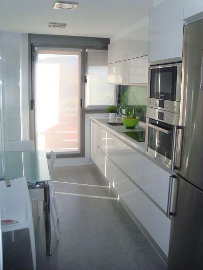Встроенная бытовая техника для кухни 6 кв.м 1