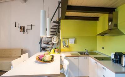 Желтая кухня 6 кв.м 4