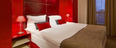 Красная спальня 18 кв. м 1