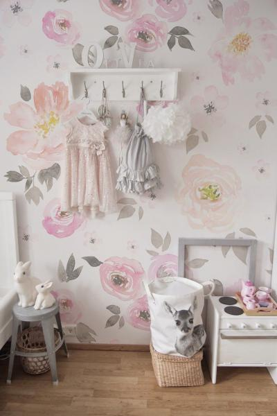 Оформление стен в квартире 2019 обои с цветами 2