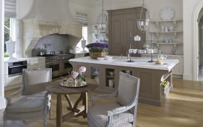 Кухня в стиле прованс коричневая 1