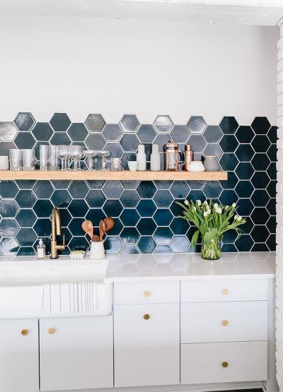 Дизайн фартука для кухни из плитки 4